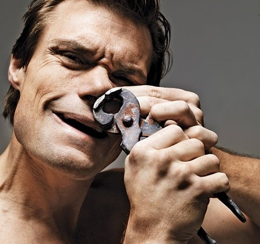 Os perigos de arrancar os pêlos do nariz, e qual a melhor forma de apará-los.