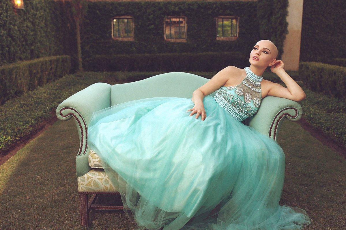 Adolescente com câncer passa linda mensagem após perder seus cabelos