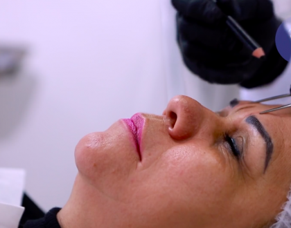 Correção de sobrancelhas acinzentadas, o novo episódio do Beleza Feita com Arte